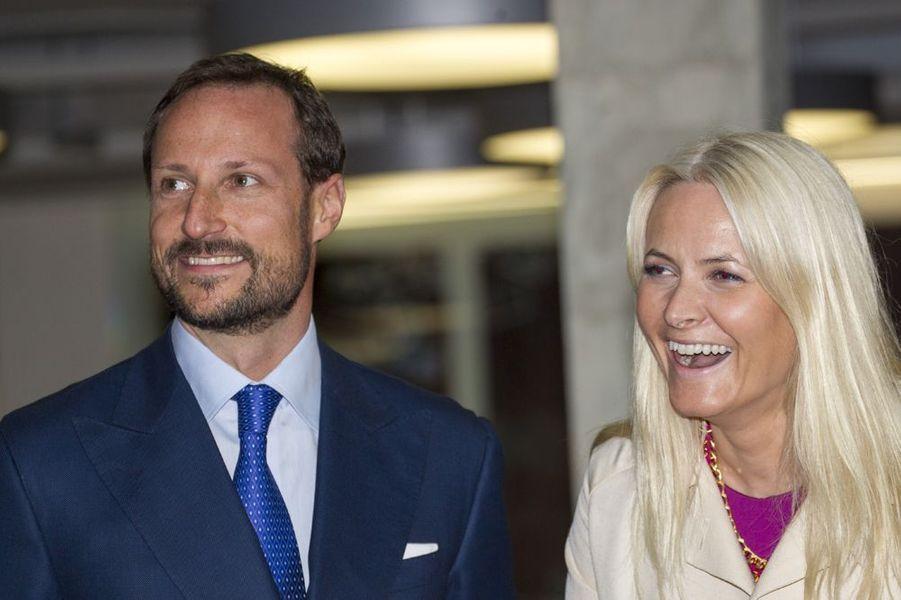 Mette-Marit et Haakon en amoureux aux Etats-Unis