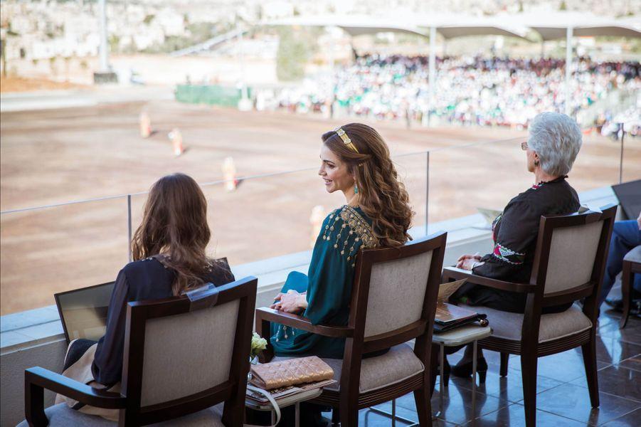 La reine Rania de Jordanie avec les princesses Salma et Muna à Amman, le 2 juin 2016