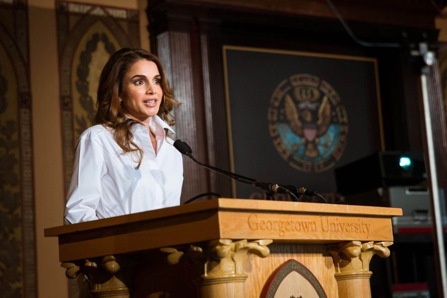 La reine Rania de Jordanie à l'Université de Georgetown à Washington, le 14 avril 2016