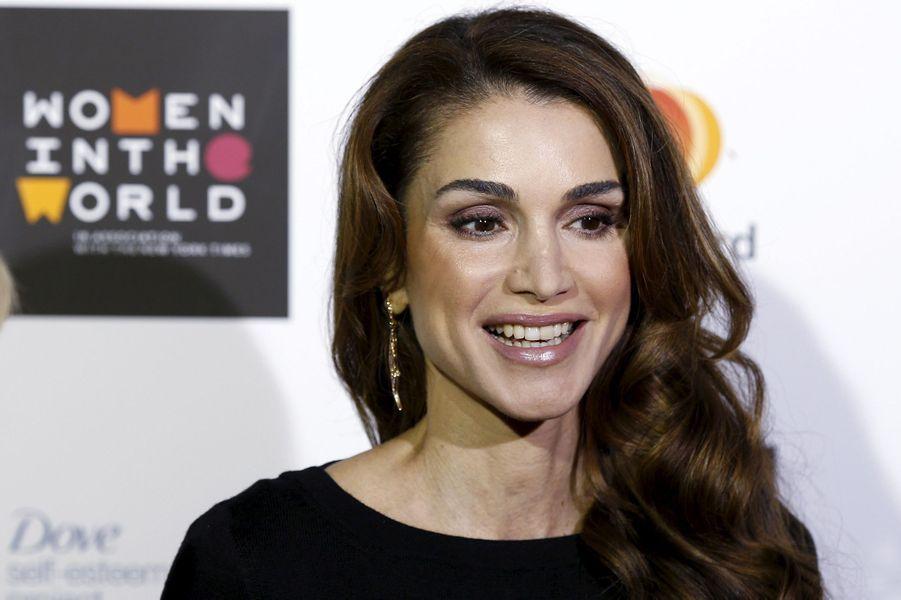 La reine Rania de Jordanie au sommet Women in the World à Londres, le 8 octobre 2015