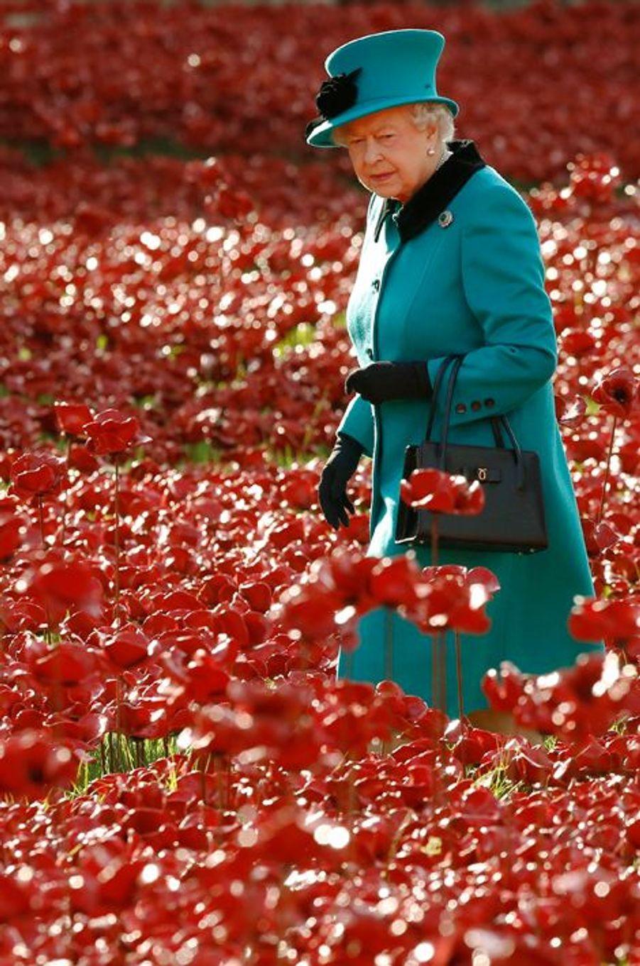 La reine Elizabeth II, le 16 octobre 2014