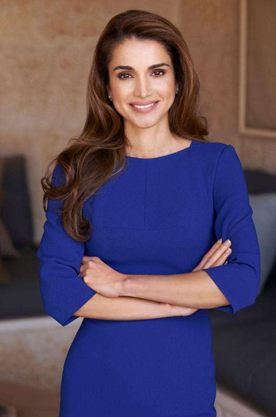 Ce lundi 31 août, la reine Rania fêtait ses 45 ans. L'occasion d'un portrait de l'épouse du roi Abdallah II de Jordanie en 50 photos et 10 anecdotes.Chaque dimanche, le Royal Blog de Paris Match vous propose de voir ou revoir les plus belles photographies de la semaine royale.