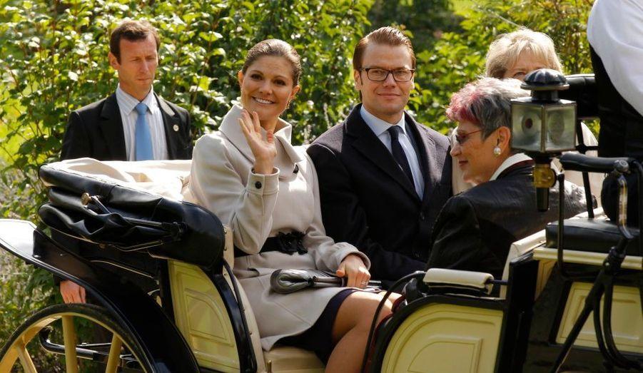 Le couple princier s'est ensuite visité en calèche le Château de la Grange, à Savigny-le-Temple.