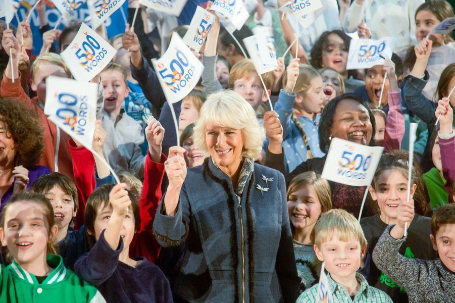 Camilla Parker-Bowles lance un concours de rédaction pour les enfants à Haringey, au nord de Londres, le 21 janvier 2015