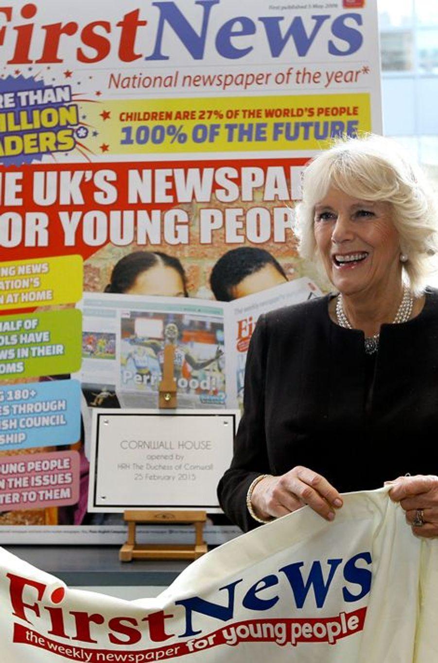 Camilla Parker-Bowles dans les locaux de «First News» à Londres, le 25 février 2015