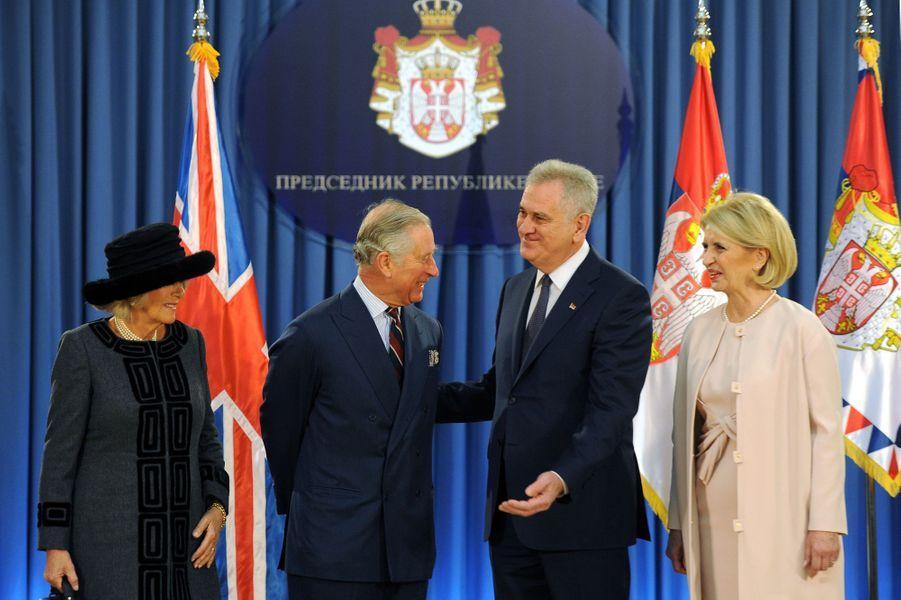 Le prince Charles et Camilla avec le président de la République de Serbie et son épouse à Belgrade, le 16 mars 2016