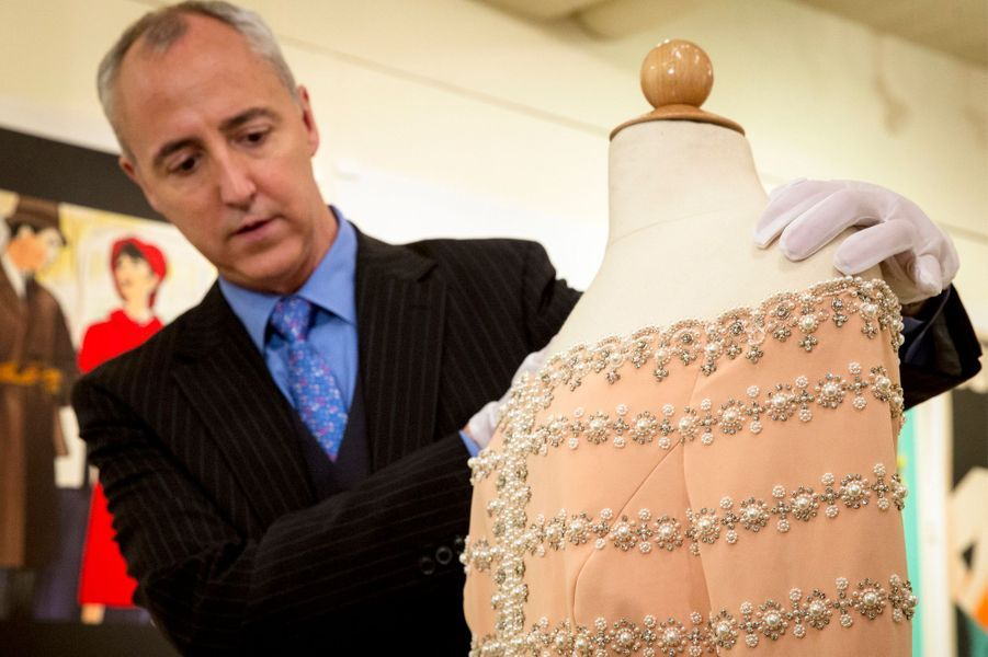 Cinq robes de Lady Diana seront vendues aux enchères par la maison de vente Julien's de Beverly Hills les 5 et 6 décembre 2014
