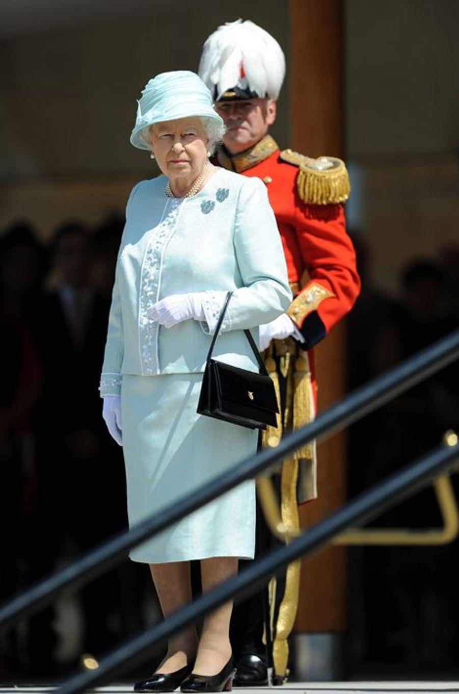 La reine Elizabeth II à Londres, le 9 juillet 2015