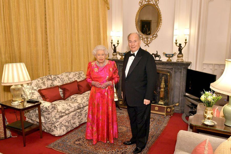 La reine Elizabeth II a reçu le prince Karim Aga Khan IV au château de Windsor, le 8 mars 2018