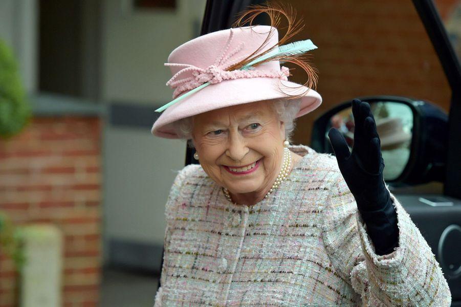 La reine Elizabeth II à l'hippodrome de Newbury, le 21 avril 2017, jour de ses 91 ans