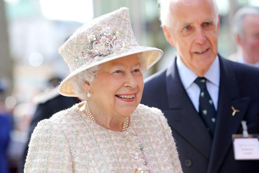 Le chapeau de la reine Elizabeth II à Londres, le 28 février 2017