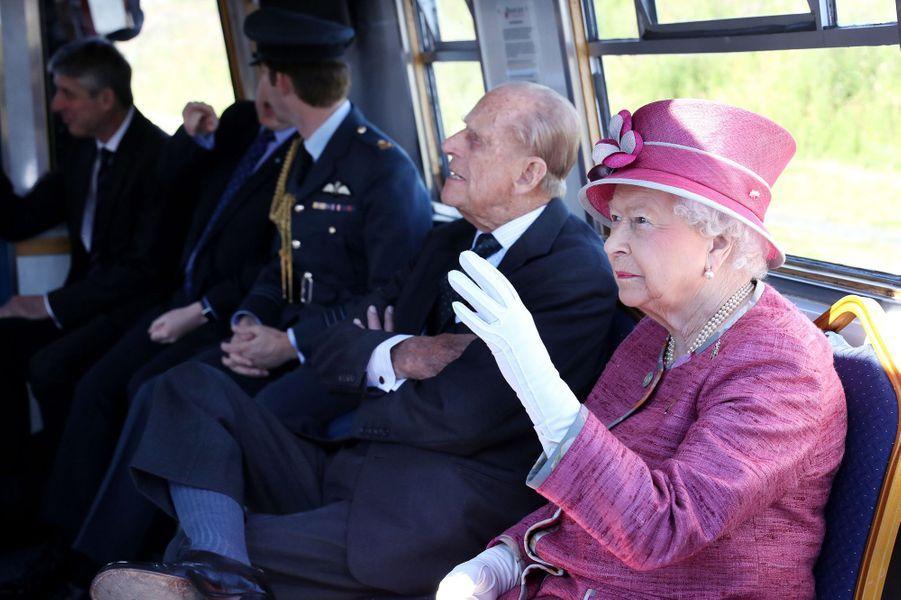 La reine Elizabeth II et le prince Philip à Falkirk, le 5 juillet 2017