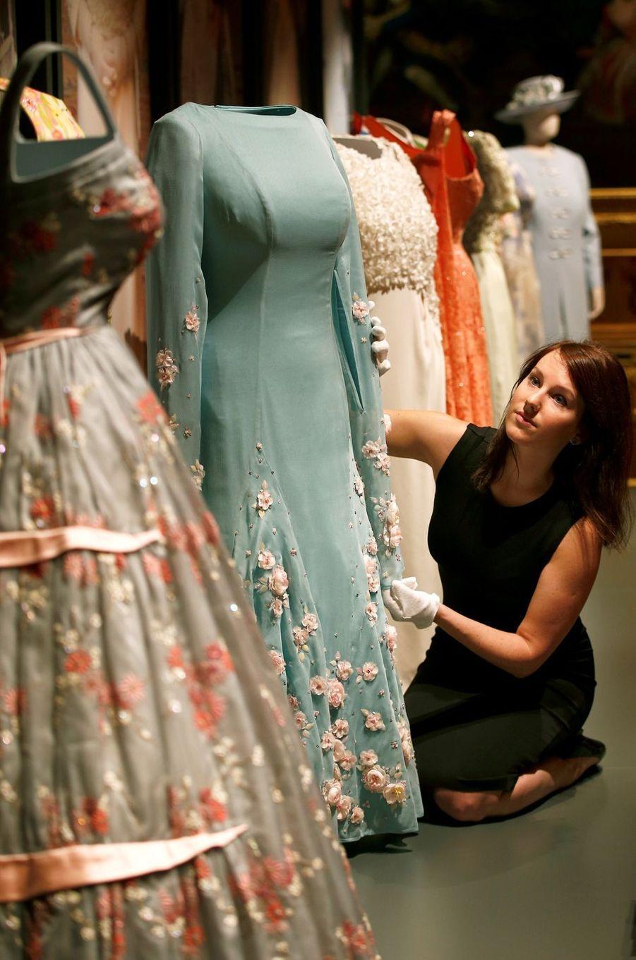 Exposition de la garde-robe de la reine Elizabeth II au château de Windsor (17 septembre 2016-8 janvier 2017)