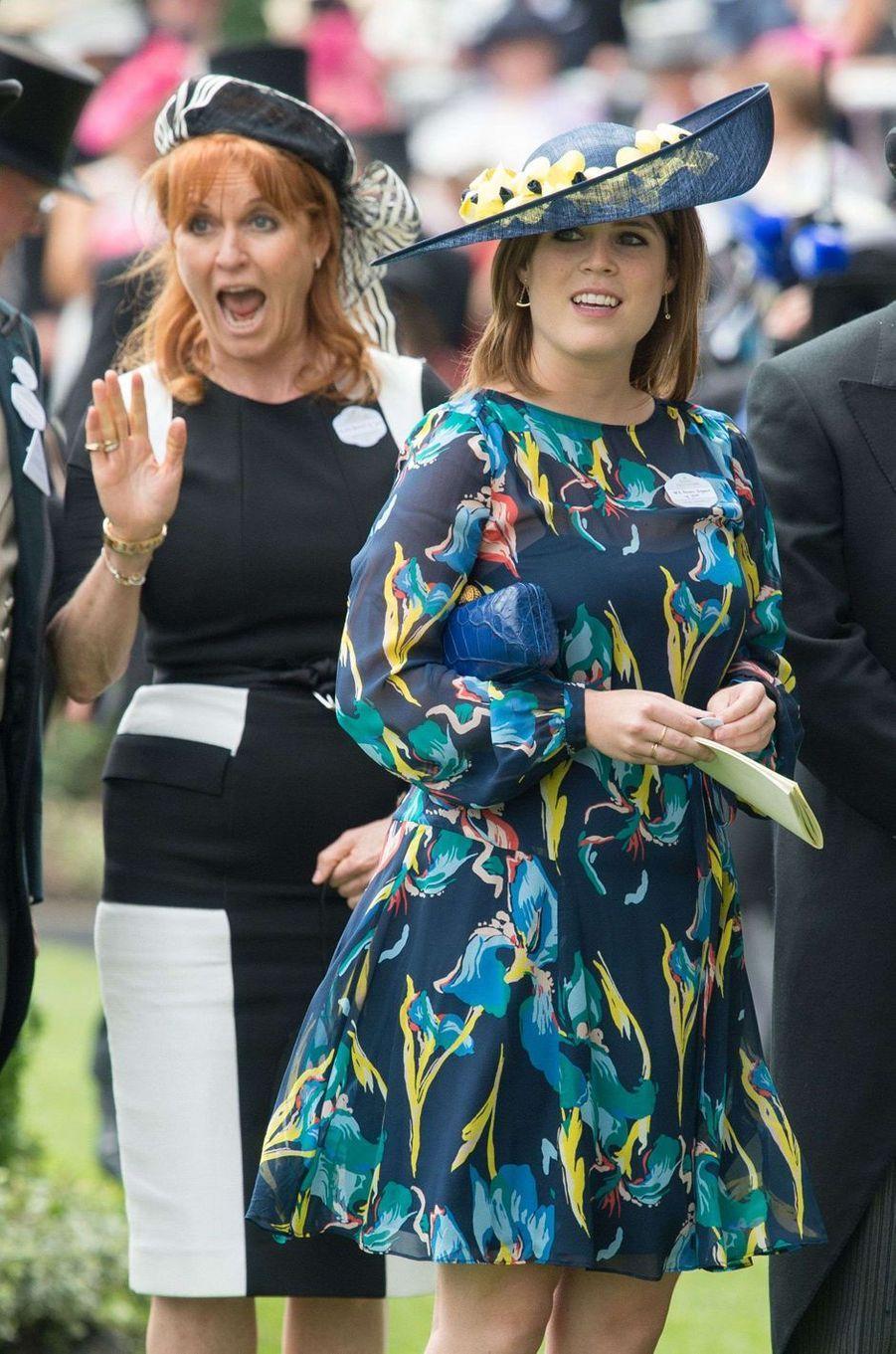 La duchesse d'York et sa fille cadette la princesse Eugenie d'York à Ascot, le 23 juin 2017