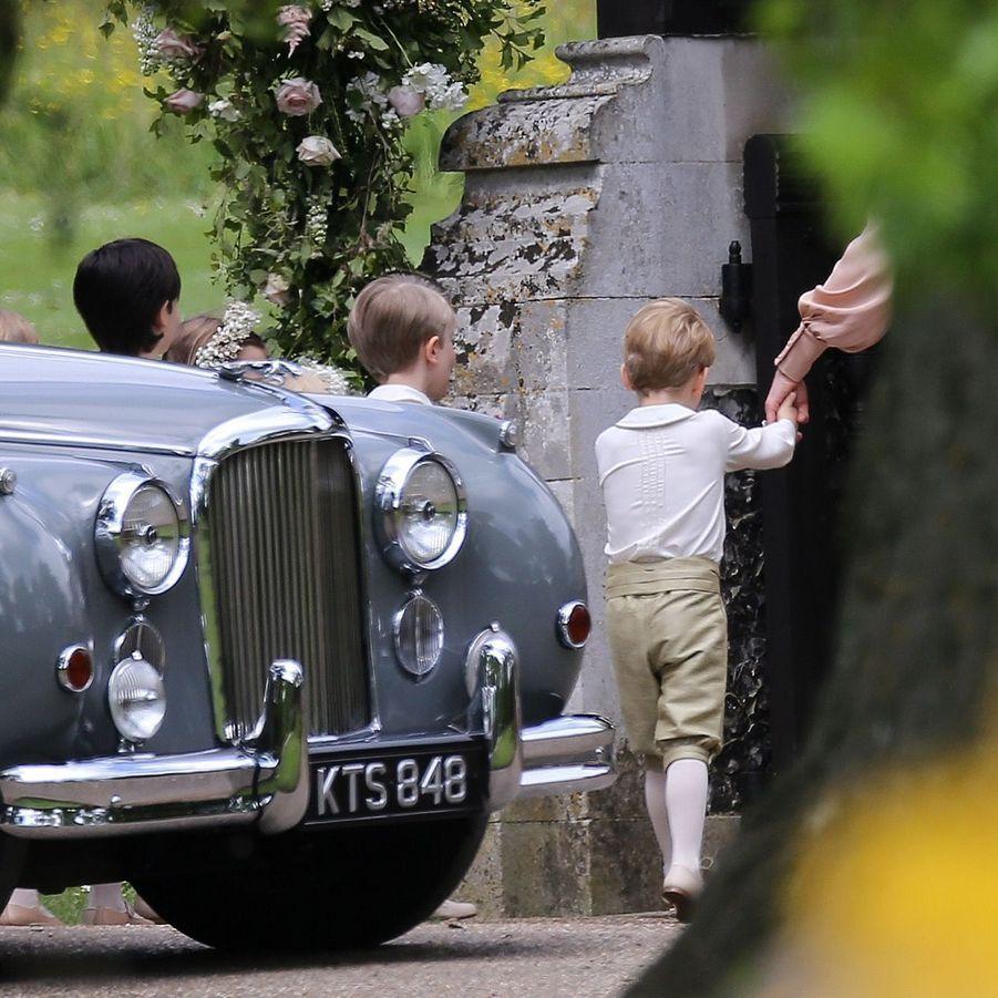 Le Prince George Et La Princesse Charlotte Arrivent À L'église Pour Le Mariage De Pippa Middleton 3