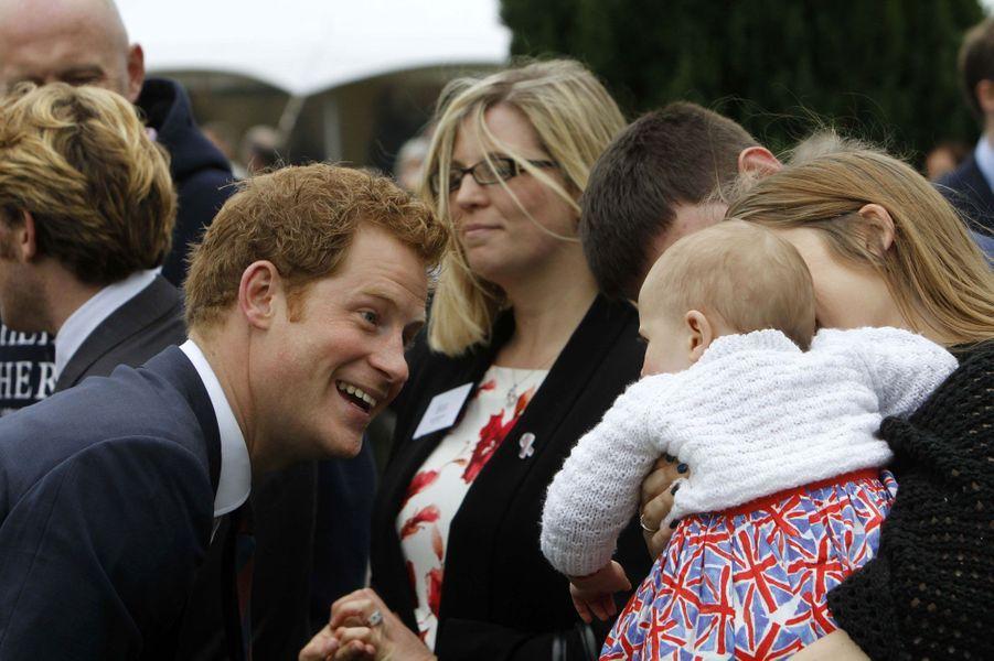 Harry et William à la rencontre des héros de guerre