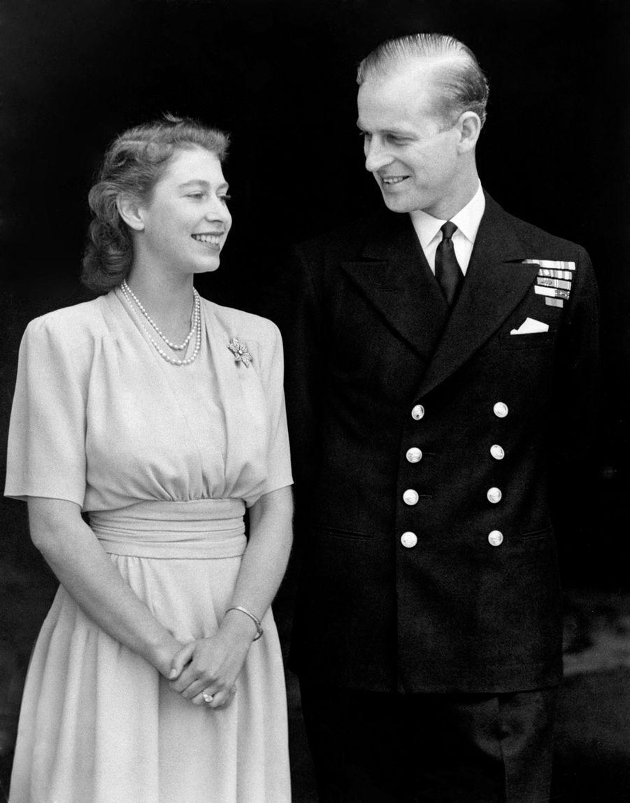 La princesse Elizabeth et du prince Philip fiancés en juillet 1947