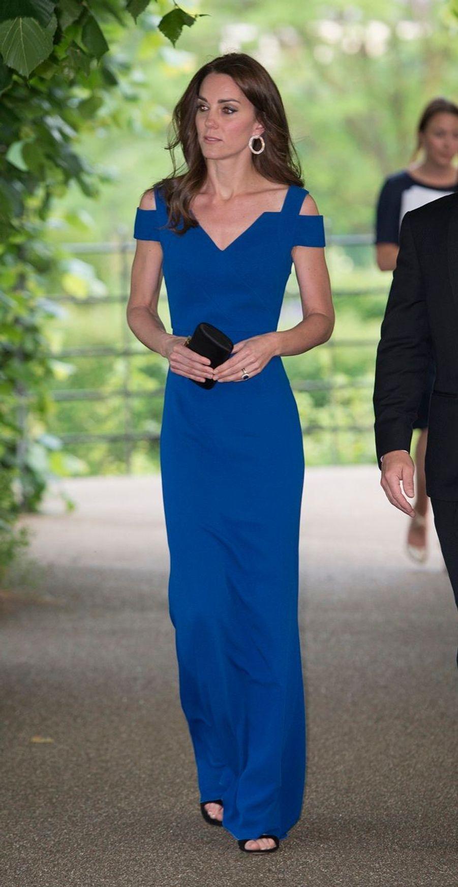 Kate, en majesté dans son palais