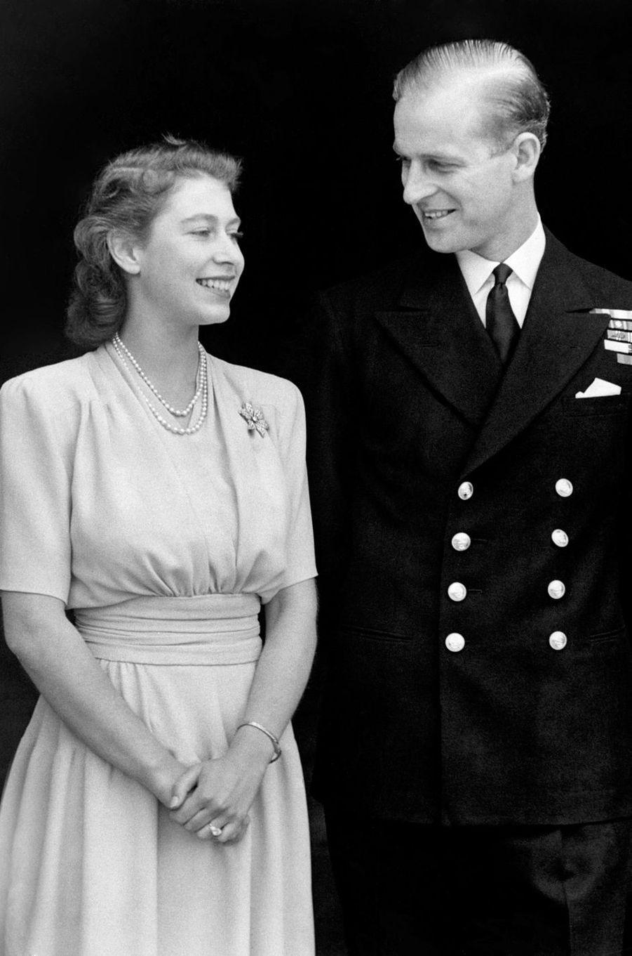 Diamants pour la princesse Elizabeth, fiancée au prince Philip en 1947