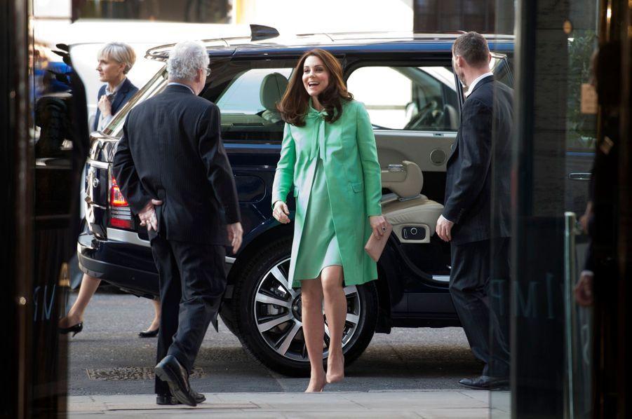 Kate Middleton Enceinte : Avant dernière Sortie Avant Le Congé Maternité    9