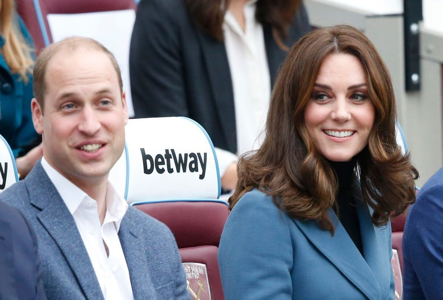 Kate, William Et Harry En Visite Au Stade De West Ham United  3