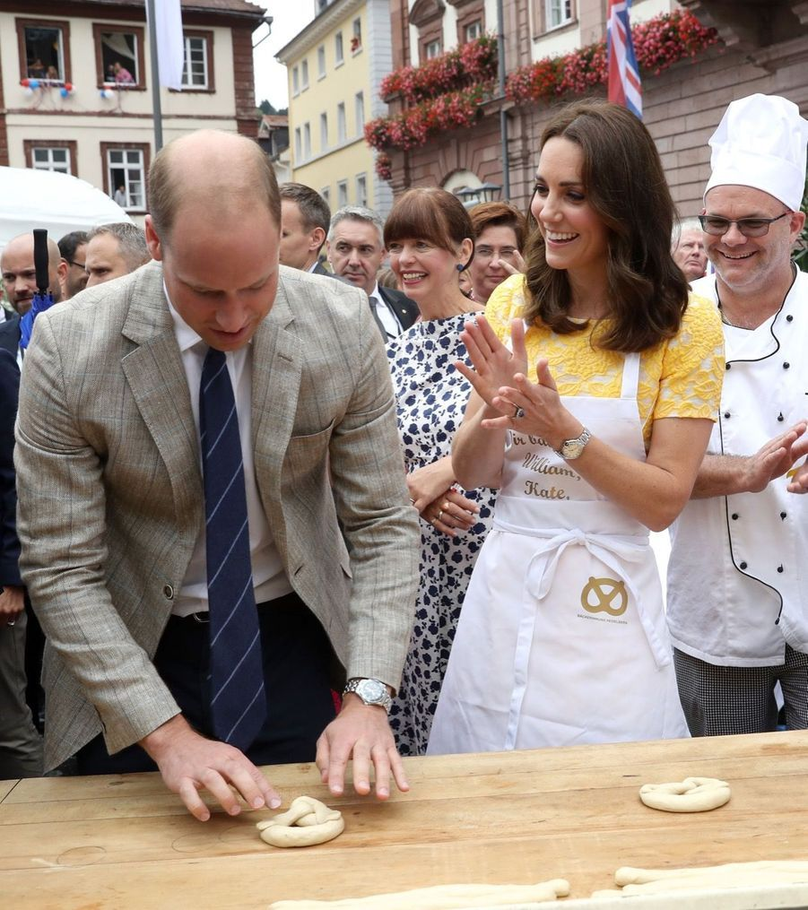 Kate Middleton Et Le Prince William En Visite Au Marché Central De Heidelberg, En Allemagne  2