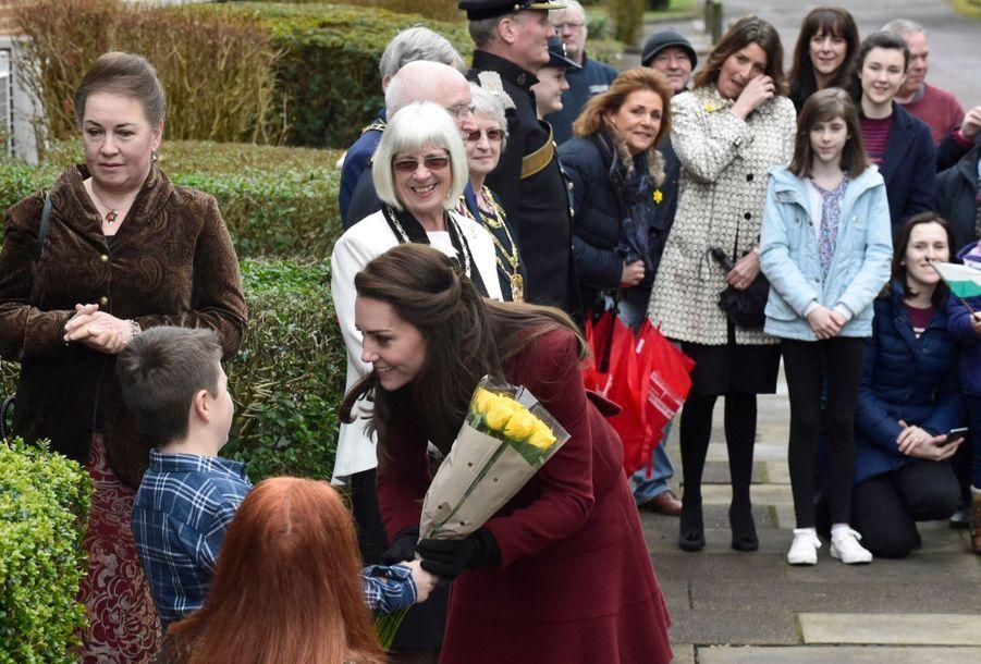Kate-Middleton-En-Visite-Au-Centre-MIST-1.jpg