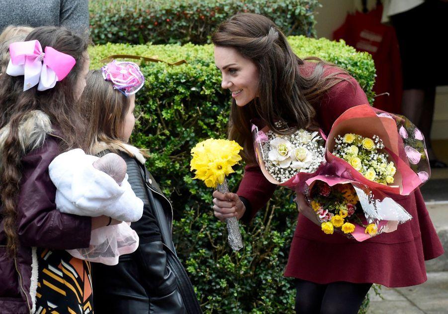 Kate-Middleton-En-Visite-Au-Centre-MIST-12.jpg