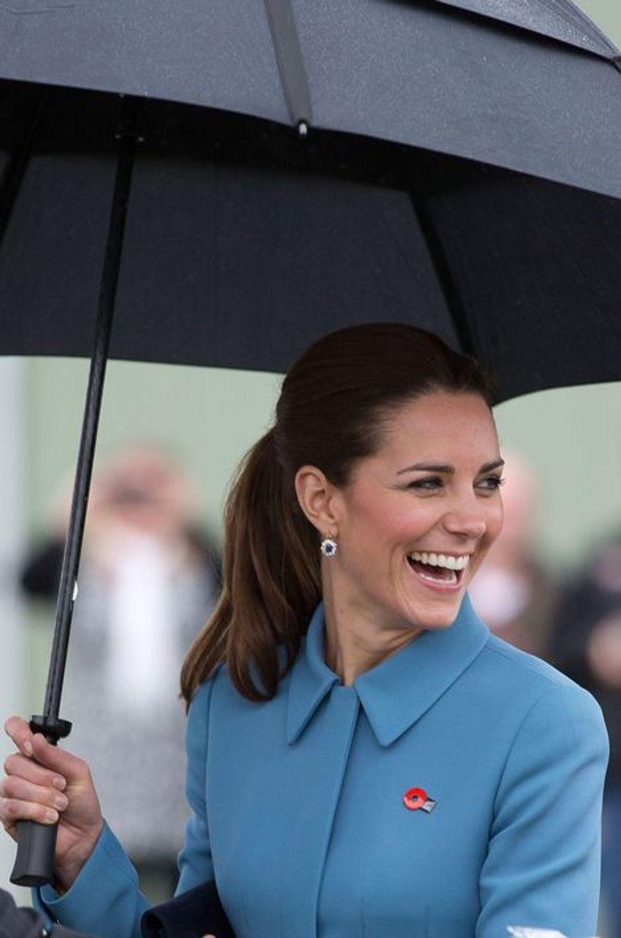 Kate, rayonnante sous la pluie néo-zélandaise
