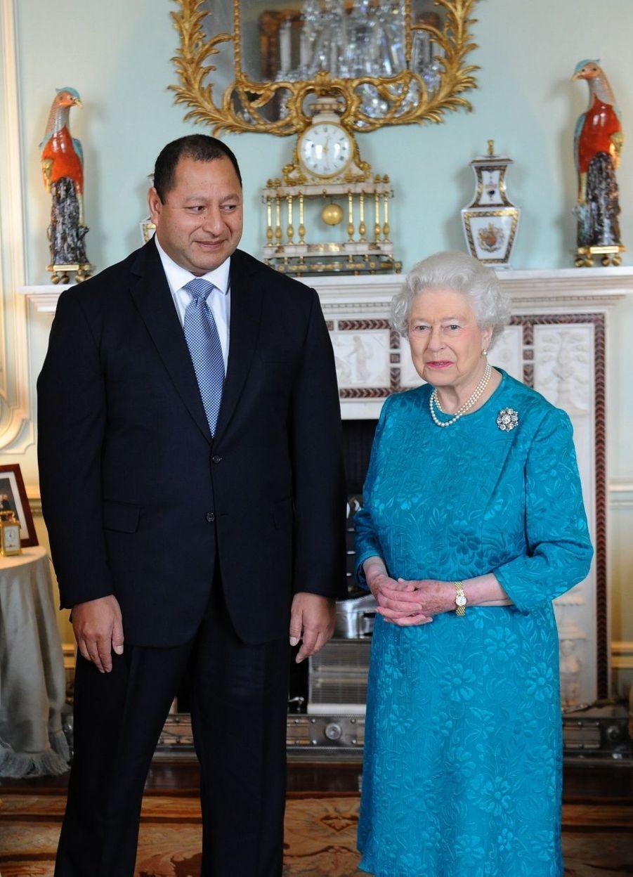 Elizabeth accueille Tupou VI