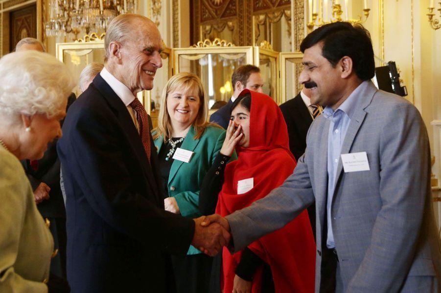 La reine Elizabeth rencontre Malala