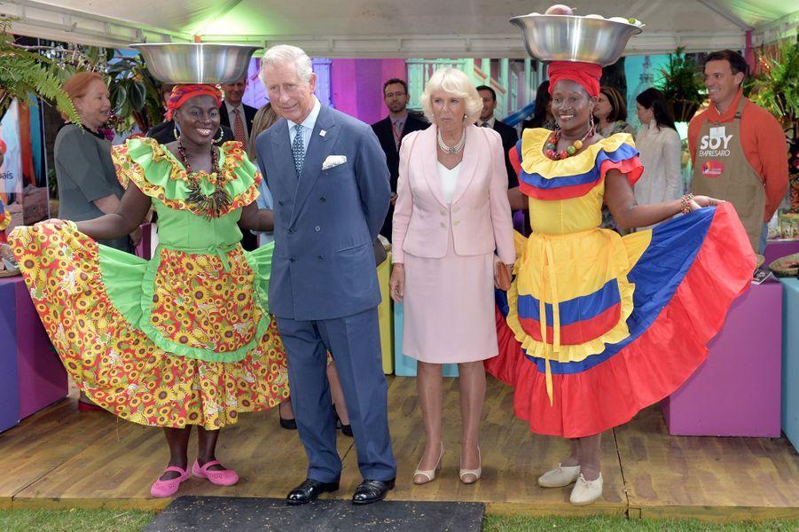 Le prince Charles et Camilla Parker-Bowles à une foire bio et développement durable à Bogota, le 29 octobre 2014