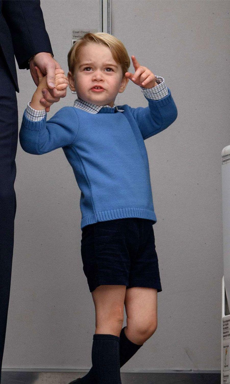 Le Prince George vole à nouveau la vedette à ses parents