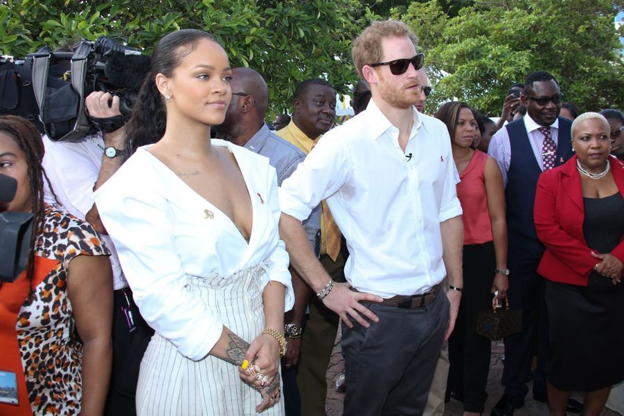 Le Prince Harry Et Rihanna Passent Un Test HIV 6
