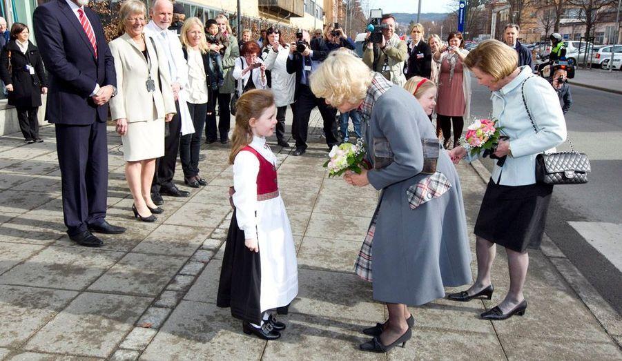 La duchesse Camilla a elle visité un hôpital, avec la reine de Norvège Sonja, à Oslo.