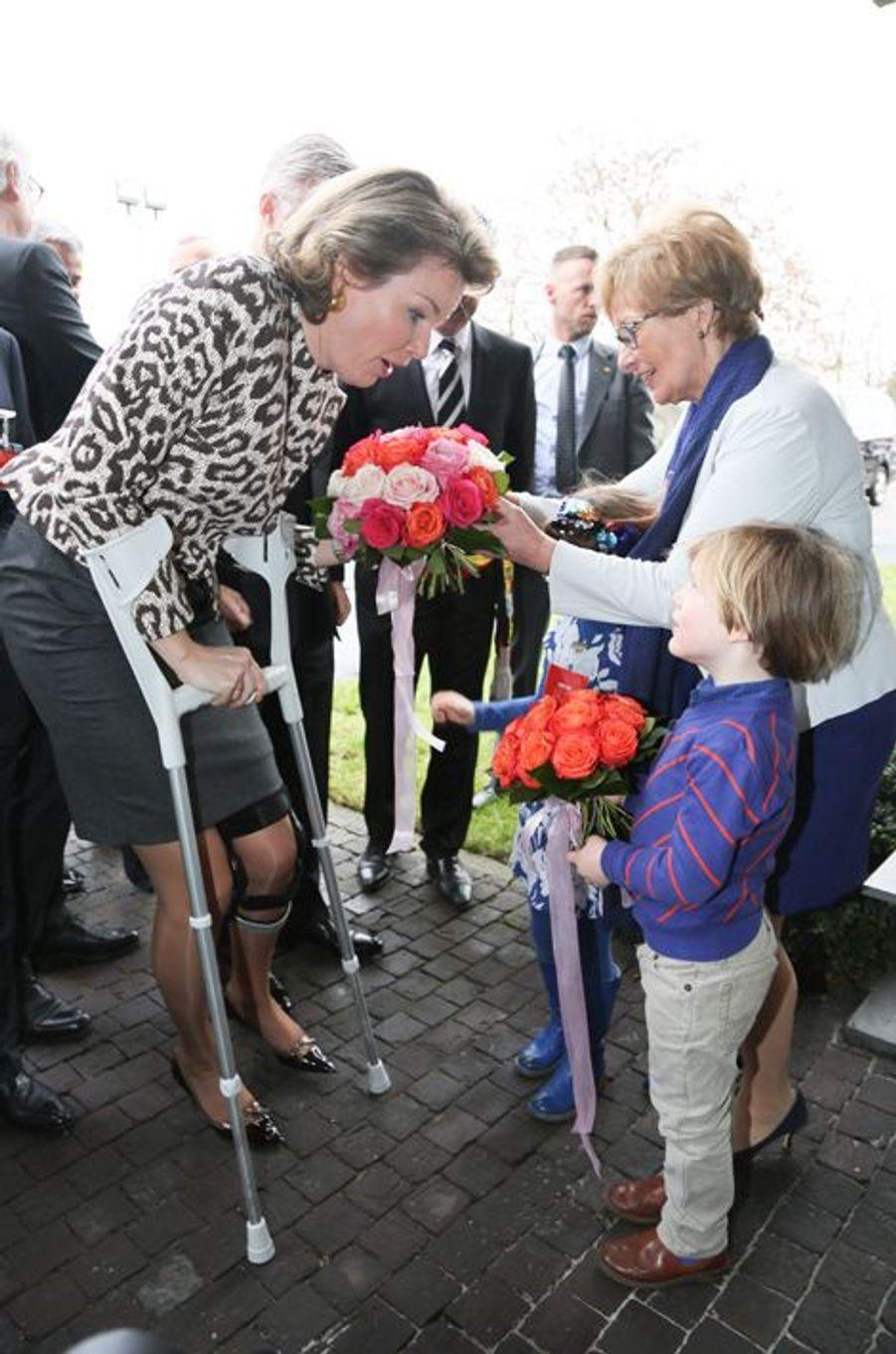La reine Mathilde de Belgique en visite officielle dans le Brabant flamand, le 26 février 2015