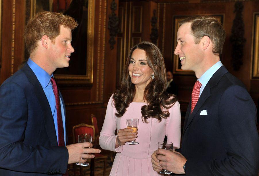 Kate, William et Harry aux célébrations du Jubilé de la reine ElizabethII, au château de Windsor, le 18 mai 2012