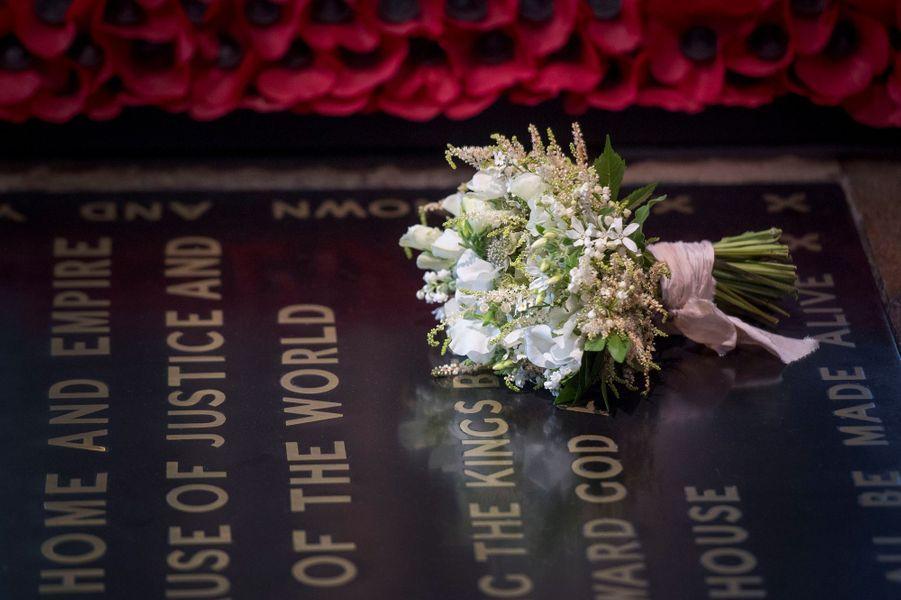 Le bouquet deMeghan Marklea été déposé sur la tombe du Soldat inconnu à l'abbaye de Westminster.