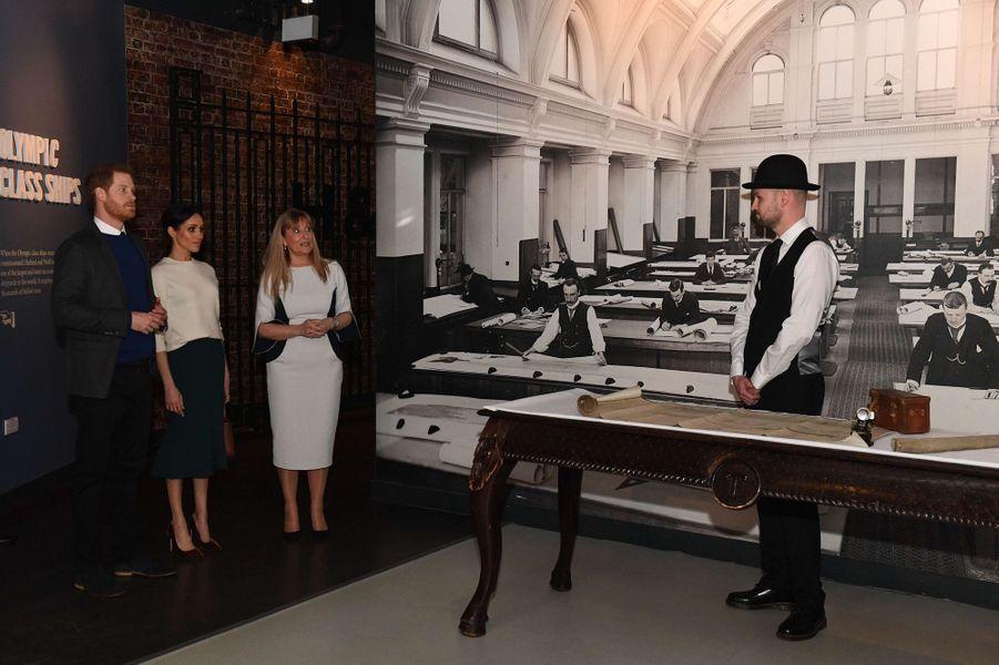 Musée Titanic Belfast  - Page 3 Meghan-Markle-Et-Le-Prince-Harry-A-Belfast-Le-23-Mars-2018-19