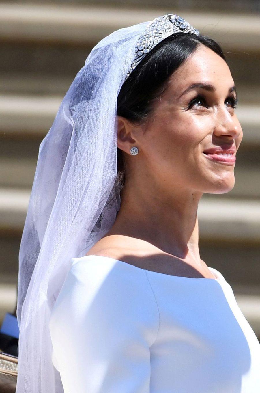 Meghan Markle porte le diadème-bandeau art déco de la Queen Mary, à son mariage avec le prince Harry le 19 mai 2018
