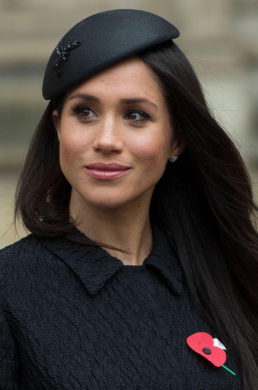 Meghan Markle coiffée d'un bibi de Philip Treacy à Londres, le 25 avril 2018