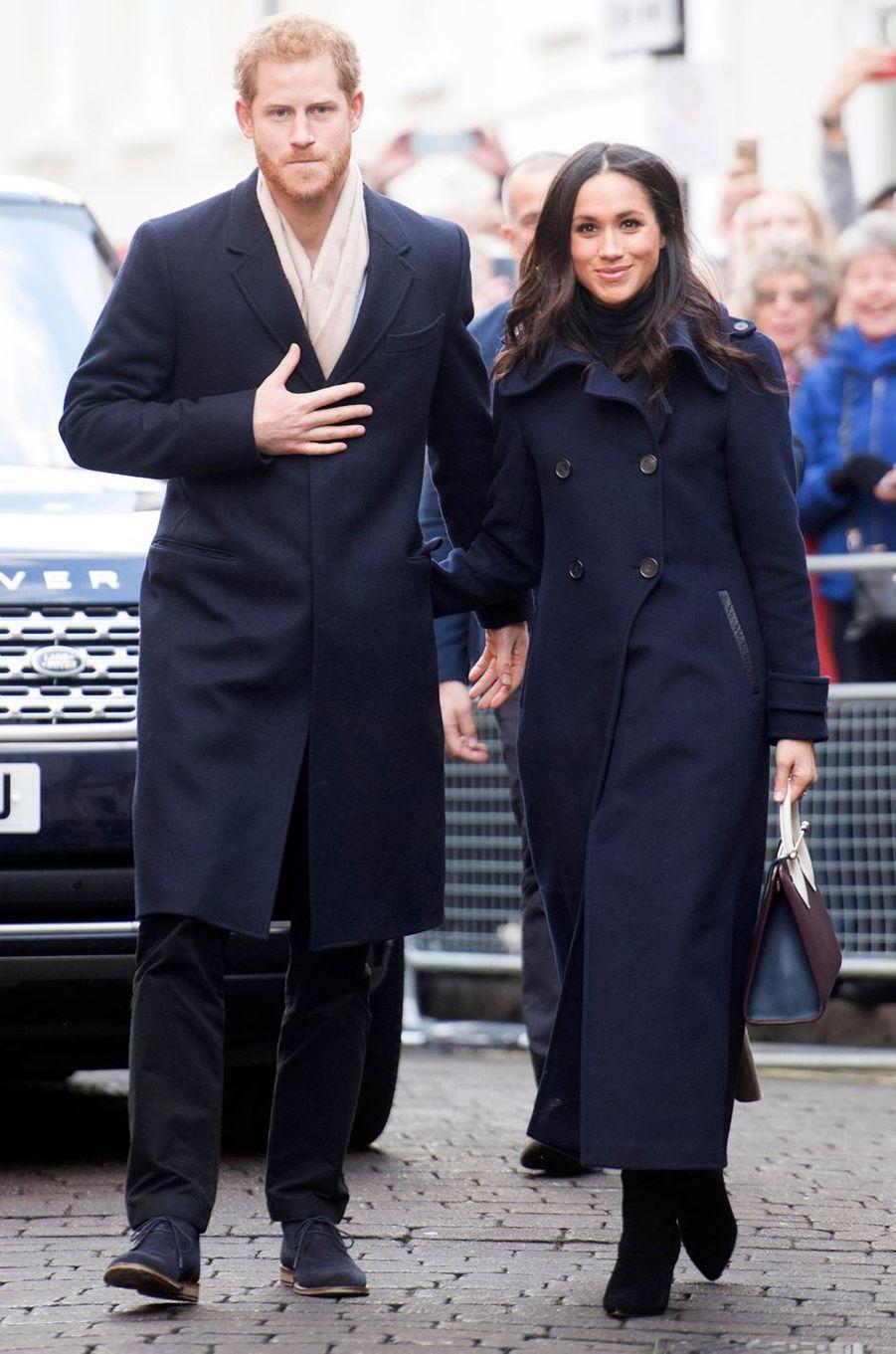 Meghan Markle avec son fiancé le prince Harry à Nottingham, le 1er décembre 2017