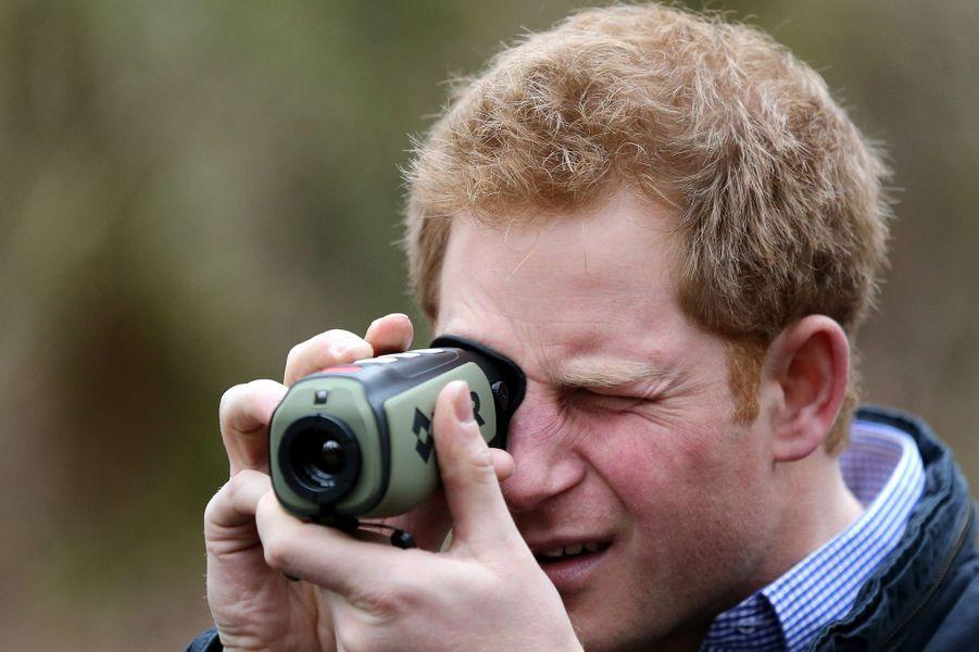Le prince Harry dans les bois de Frankham à Northumberland, le 25 février 2015