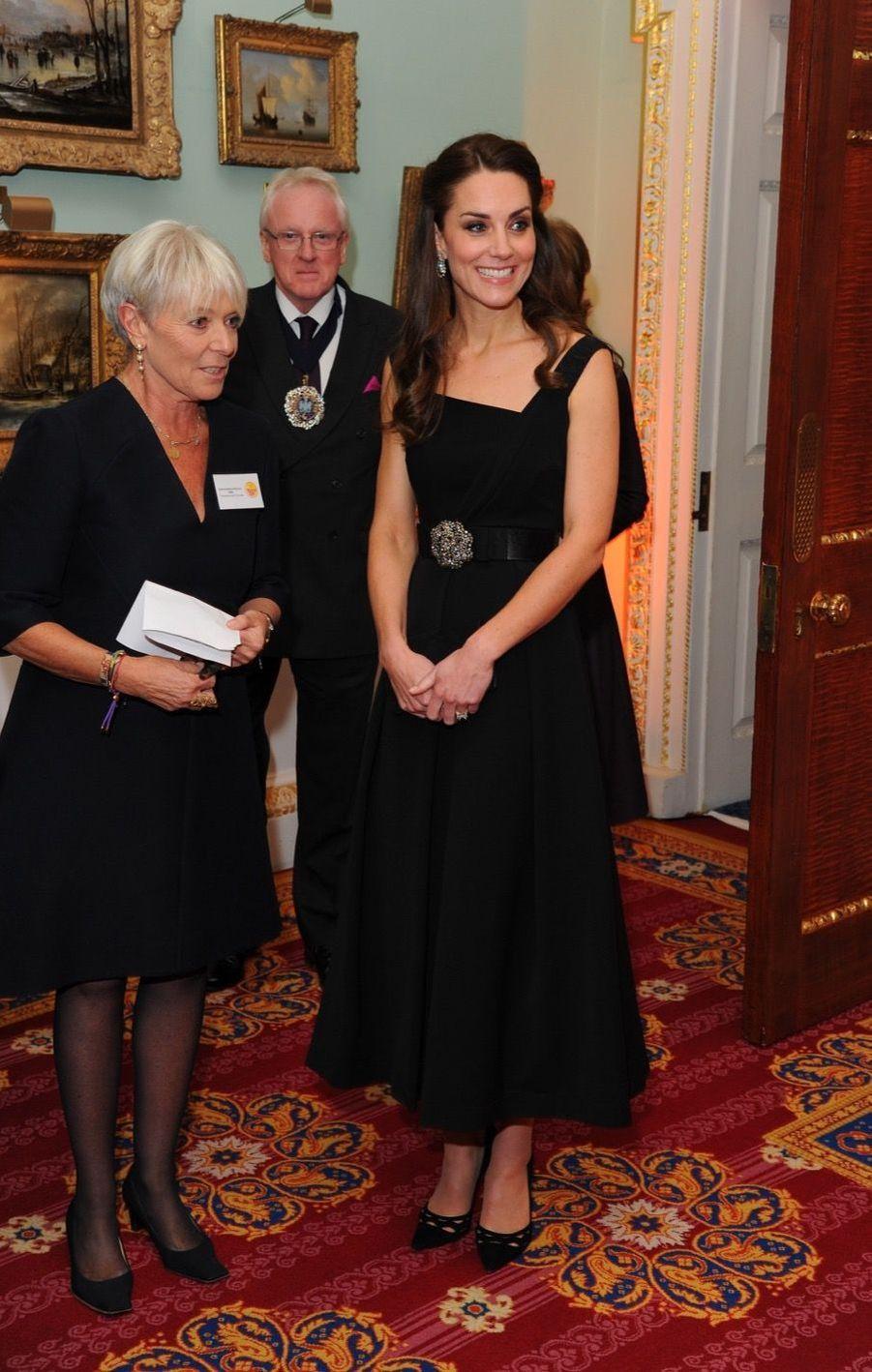 """Kate Middleton À La Remise Des Prix """"Place2Be   Wellbeing In Schools"""" À Londres 1"""