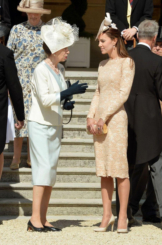 Kate et Elizabeth réunies pour une garden party
