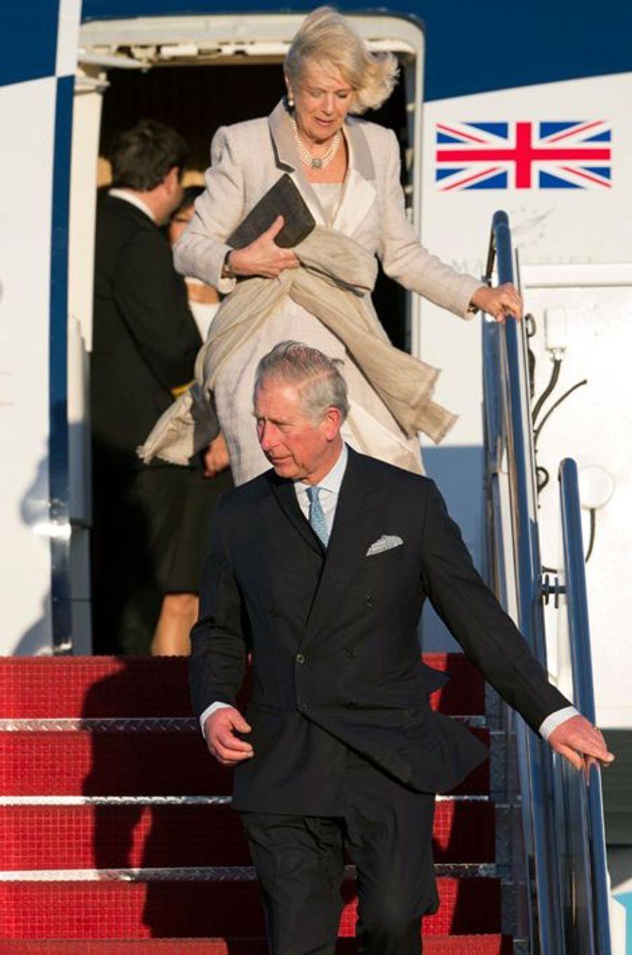 Le prince Charles et Camilla Parker-Bowles arrivent à  la base aérienne d'Andrews, près de Washington, le 17 mars 2015
