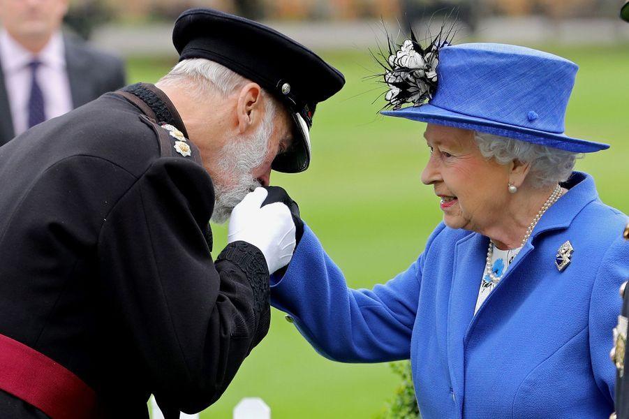La reine Elizabeth II avec son cousin le prince Michael de Kent à Londres, le 1er juin 2016