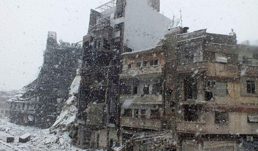 La ville martyre sous la neige