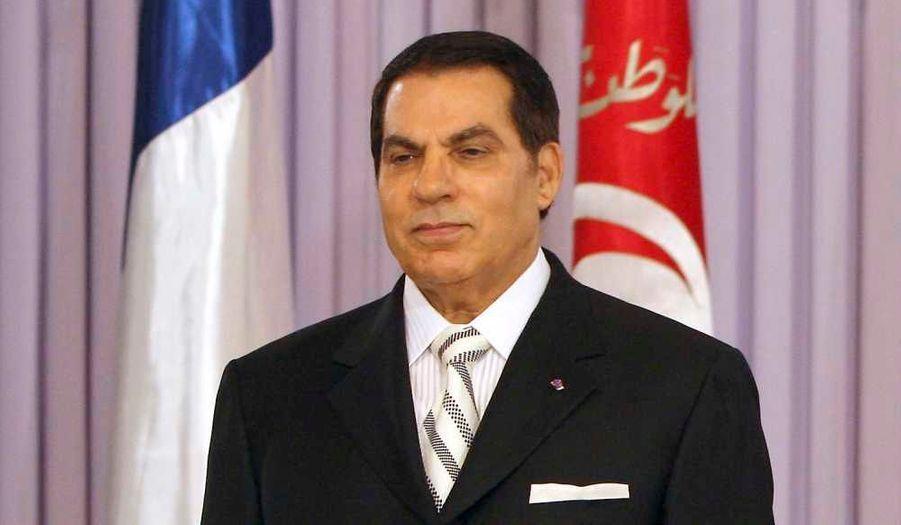 Selon les dernières informations circulant sur l'état de santé de l'ex-président tunisien Zine el-Abidine Ben Ali, il serait toujours dans le coma après son AVC, et n'aurait plus que quelques jours à vivre. Les autorités tunisiennes, elles, restent toujours muettes sur le sujet.