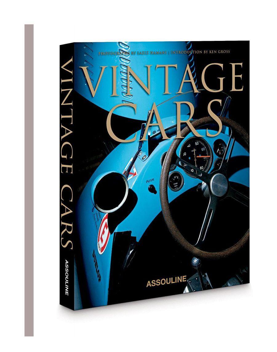 Agrémenté d'une magnifique série de photos, ce livre rend hommage aux belles automobiles du passé qui exercent toujours une incroyable fascination sur les collectionneurs d'aujourd'hui (en anglais).168 p, 69 €, www.assouline.com